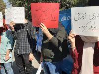 اعتراض دانشجویان همزمان با سخنرانی روحانی در دانشگاه
