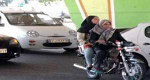 سرکرده پلیس اصفهان: زنان مجاز به گرفتن گواهینامه موتورسیکلت در قوانین ما نیستند