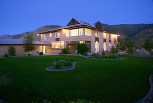 Hawks Landing Ranch is 20 minutes from Heavenly Ski Resort and the famous Edgewood Golf Course.