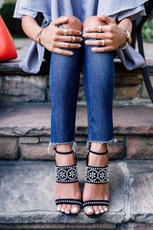 Coolest women denim trends idea (55)