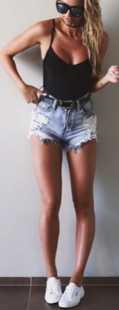 Coolest women denim trends idea (71)