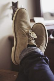Inspiring wear shoes with jeans (69)