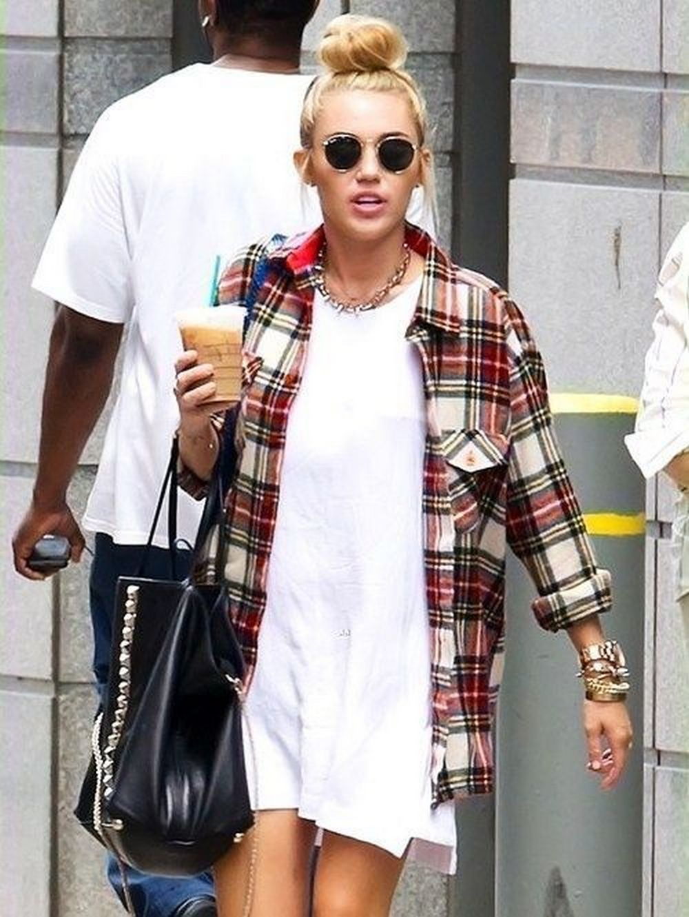 Ways to wear flanel for women (19)