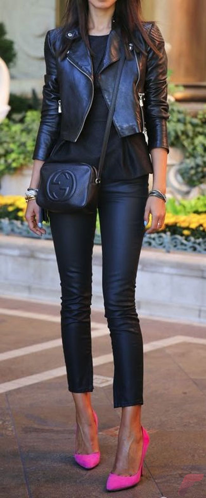 Black leather jacket outfit 15