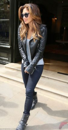 Black leather jacket outfit 28