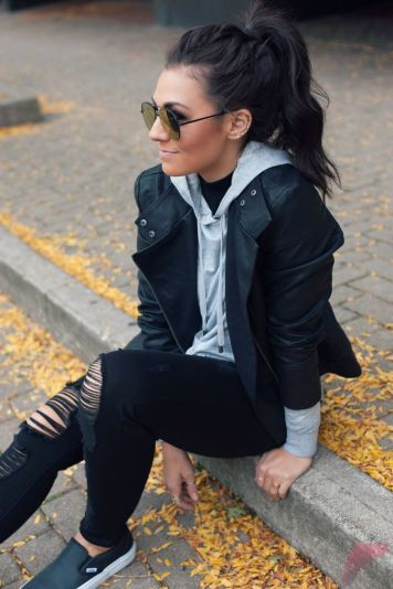 Black leather jacket outfit 3