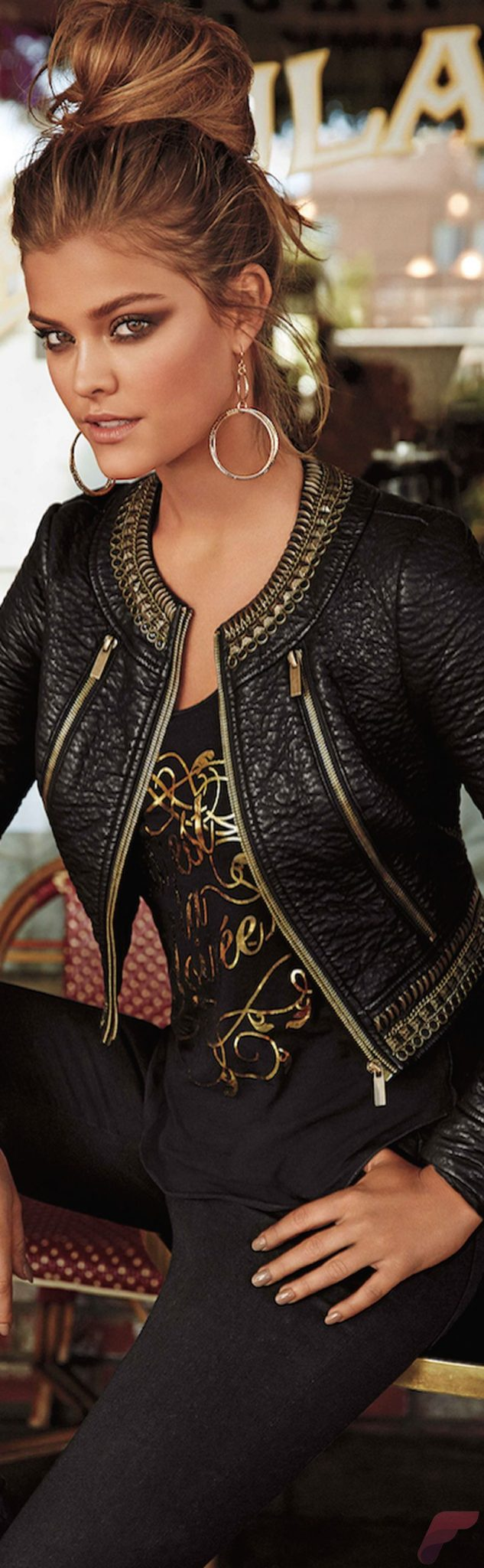 Black leather jacket outfit 5