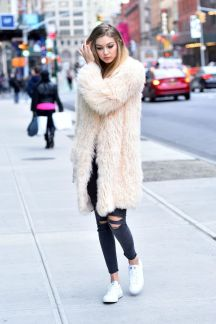 Gigi hadid sneakers outfit on the street 52