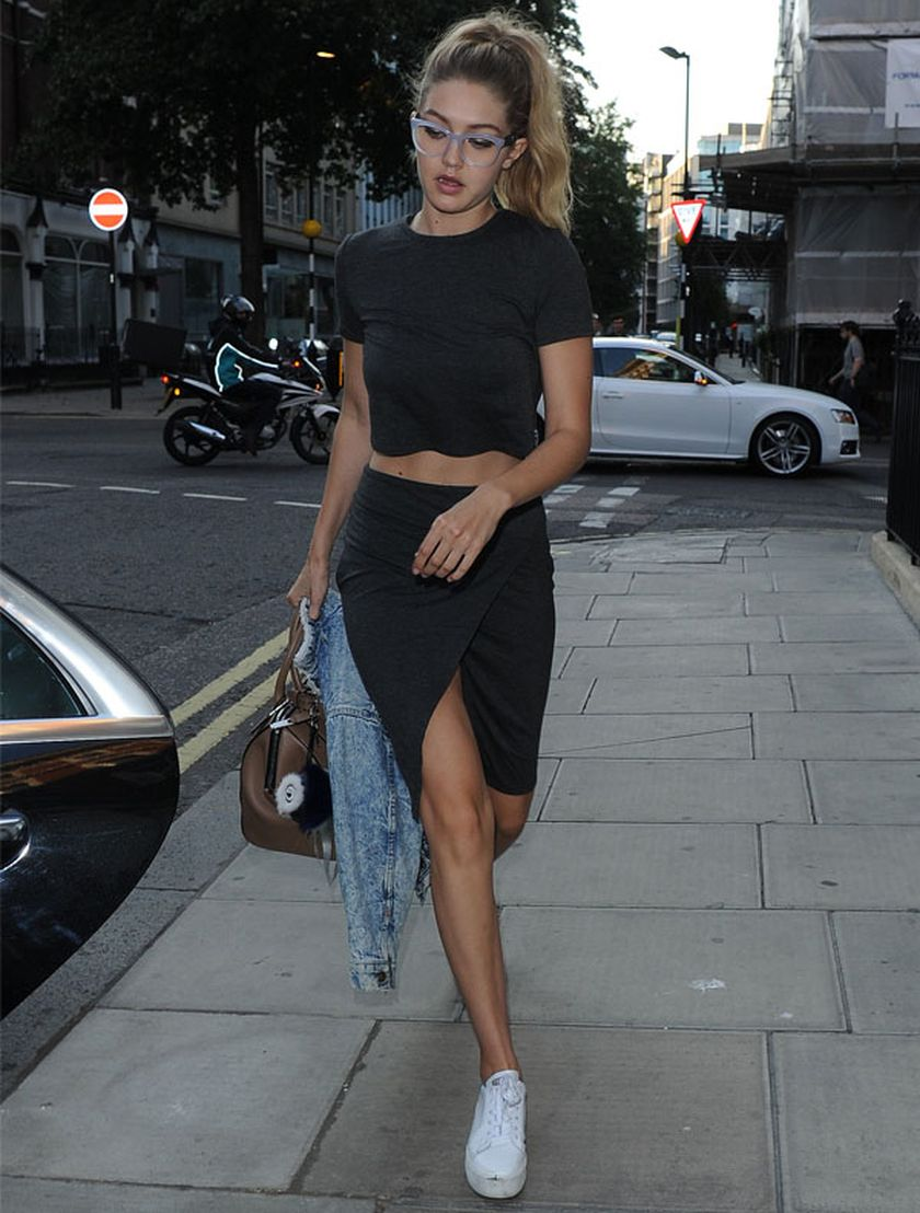 Gigi hadid sneakers outfit on the street 8