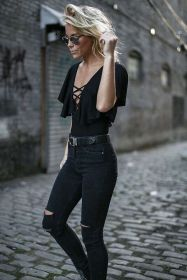 High waisted jeans outfit style 11