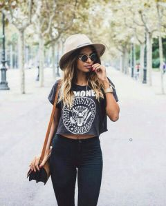 High waisted jeans outfit style 20