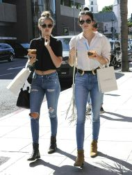 High waisted jeans outfit style 87