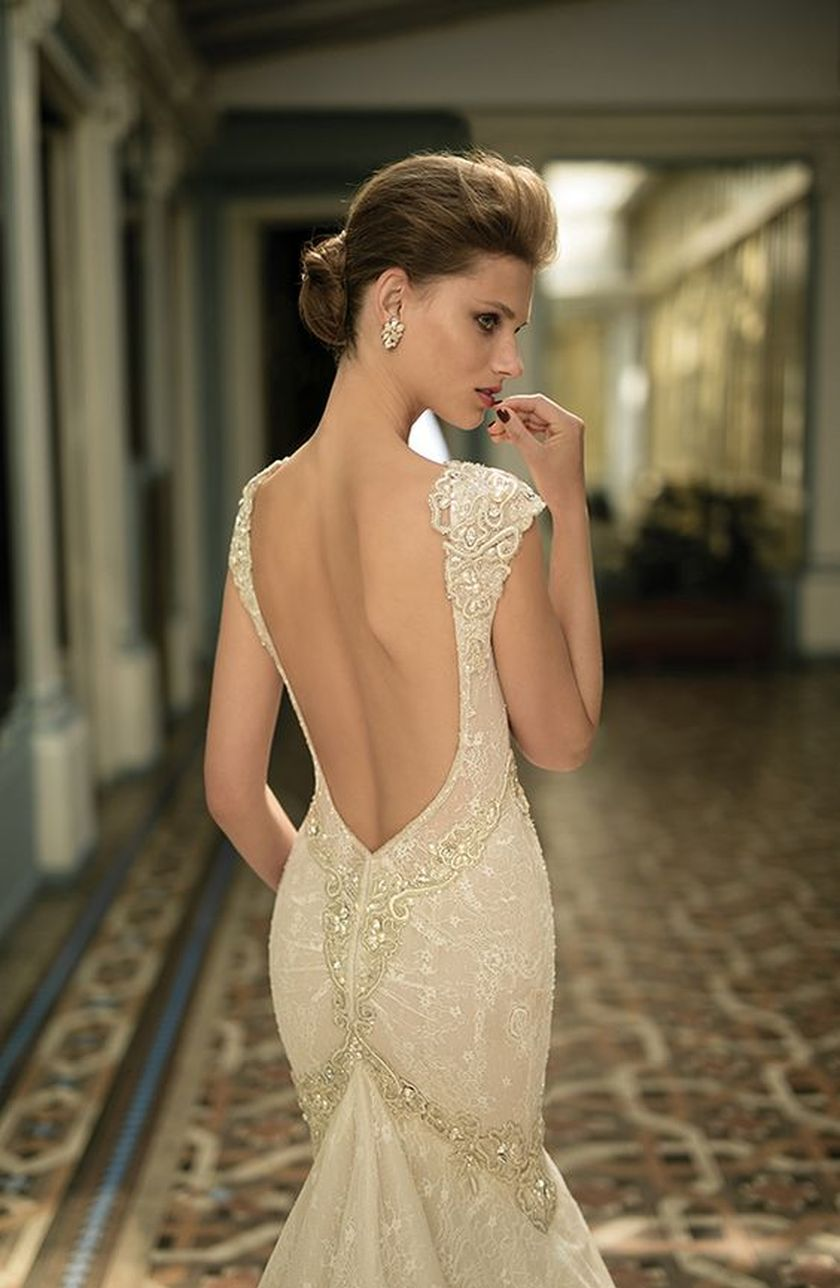 Open back vintage lace wedding dress 51