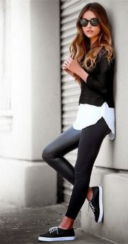 Sporty black leggings outfit and sneakers 34
