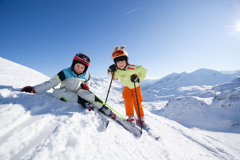 Adorable skiing outfit for your lovely kids 32