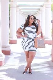 Amazing plus size striped dress outfits ideas 2