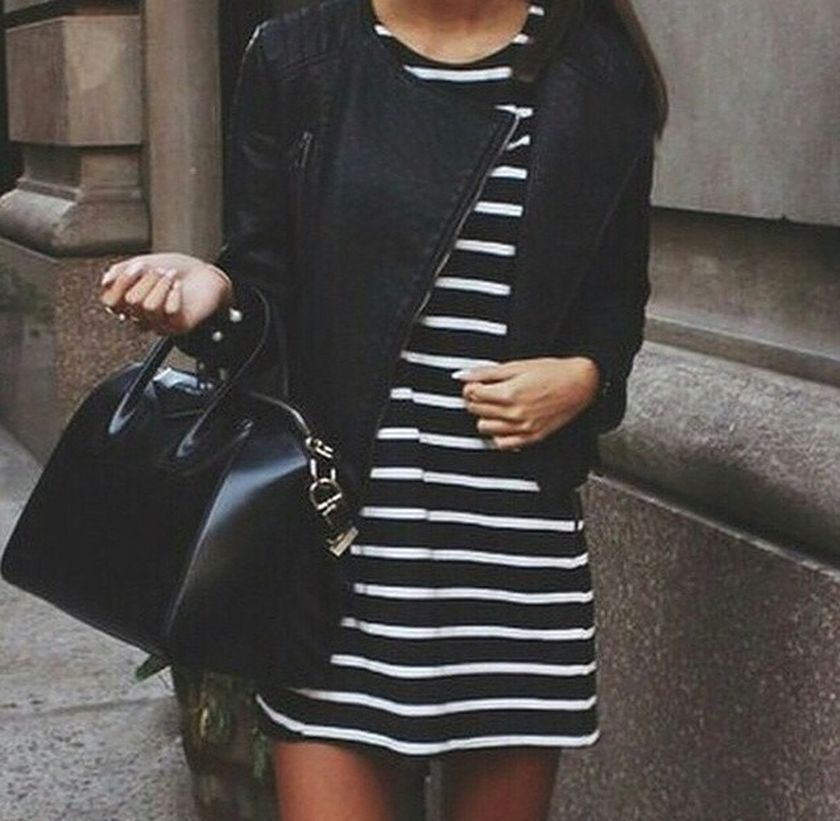 Casual black white striped midi dress outfit 10