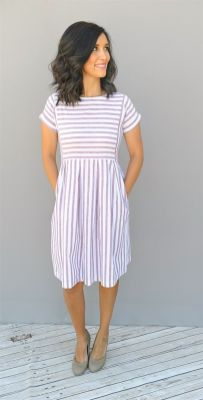 Casual black white striped midi dress outfit 23
