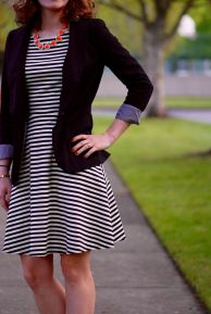 Casual black white striped midi dress outfit 33