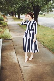 Casual black white striped midi dress outfit 46