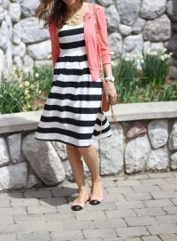 Casual black white striped midi dress outfit 53