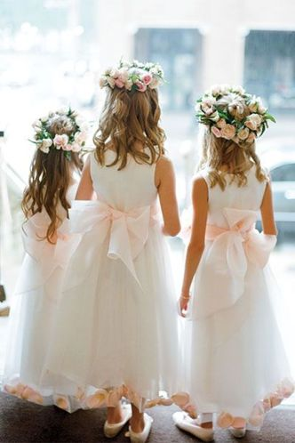 Cute bridesmaid dresses for little girls ideas 36