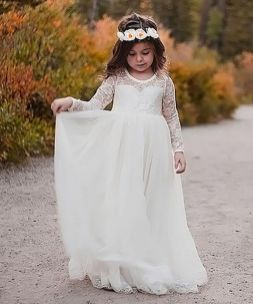 Cute bridesmaid dresses for little girls ideas 51