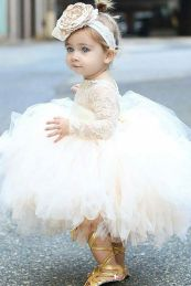Gorgeous flower girl lace dresses ideas 16