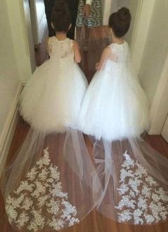 Gorgeous flower girl lace dresses ideas 20