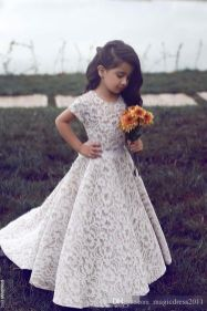 Gorgeous flower girl lace dresses ideas 22