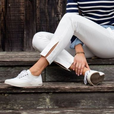How to wear white sneaker for spring outfits 162