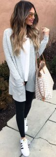 How to wear white sneaker for spring outfits 4