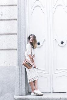How to wear white sneaker for spring outfits 6