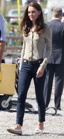 Kate middleton casual style outfit 13