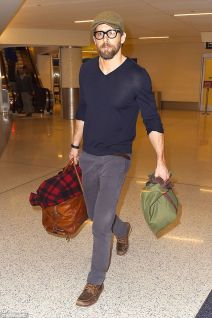 Ryan reynolds casual outfit style 14