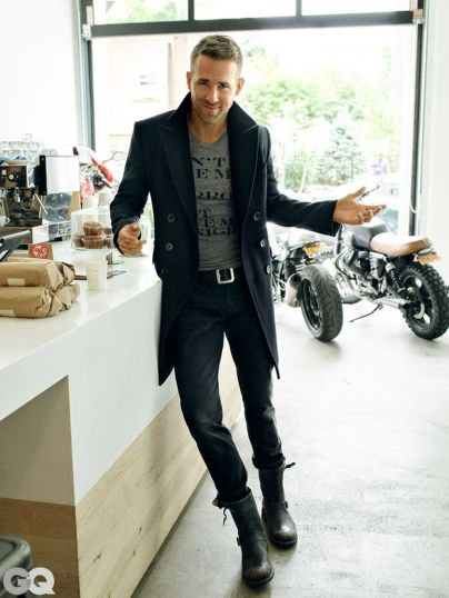 Ryan reynolds casual outfit style 2