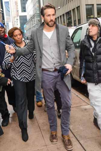 Ryan reynolds casual outfit style 26