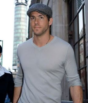 Ryan reynolds casual outfit style 27