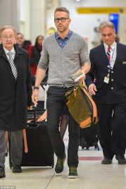 Ryan reynolds casual outfit style 42