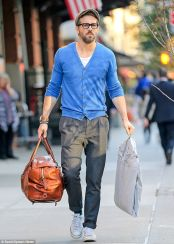 Ryan reynolds casual outfit style 61