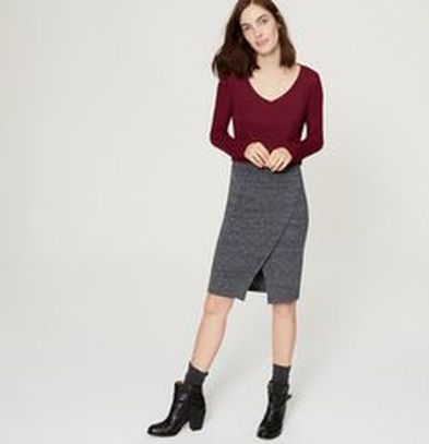 Sexy soft v neck tees women outfit style 21