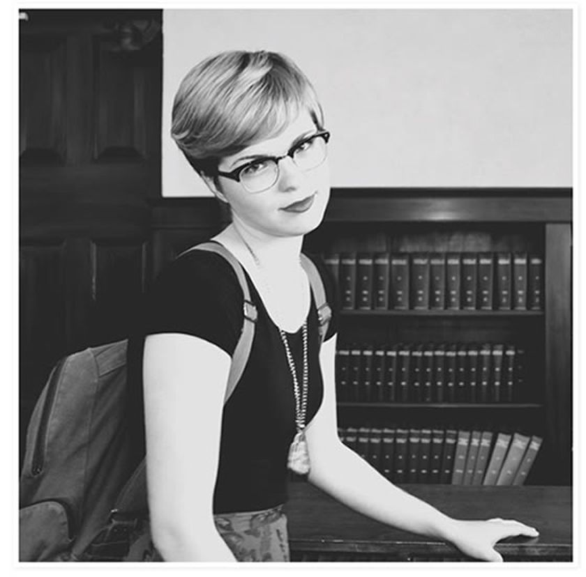 Short hair pixie cut hairstyle with glasses ideas 11