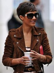 Short hair pixie cut hairstyle with glasses ideas 17