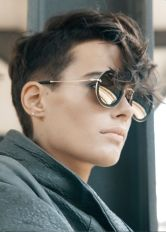 Short hair pixie cut hairstyle with glasses ideas 39