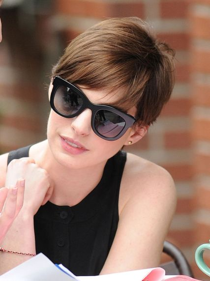 Short hair pixie cut hairstyle with glasses ideas 92