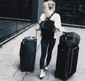 Summer airplane outfits travel style 18