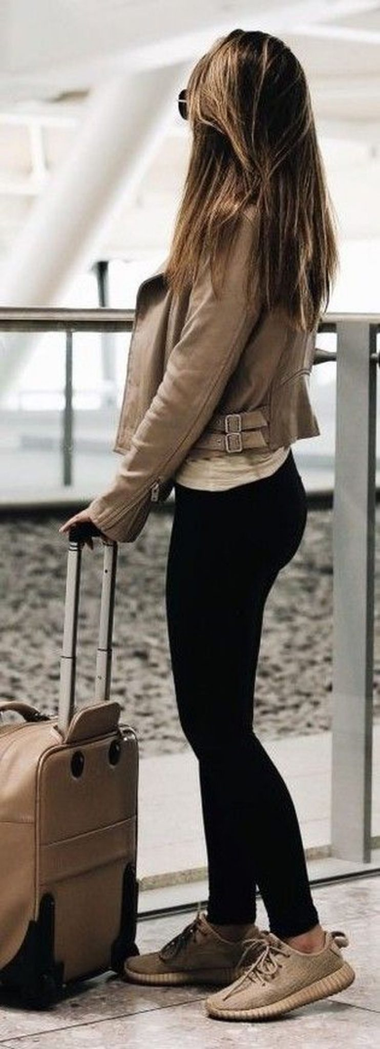 Summer airplane outfits travel style 24