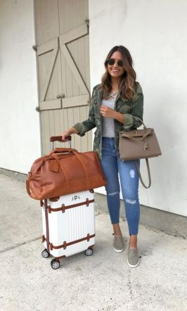Summer airplane outfits travel style 32