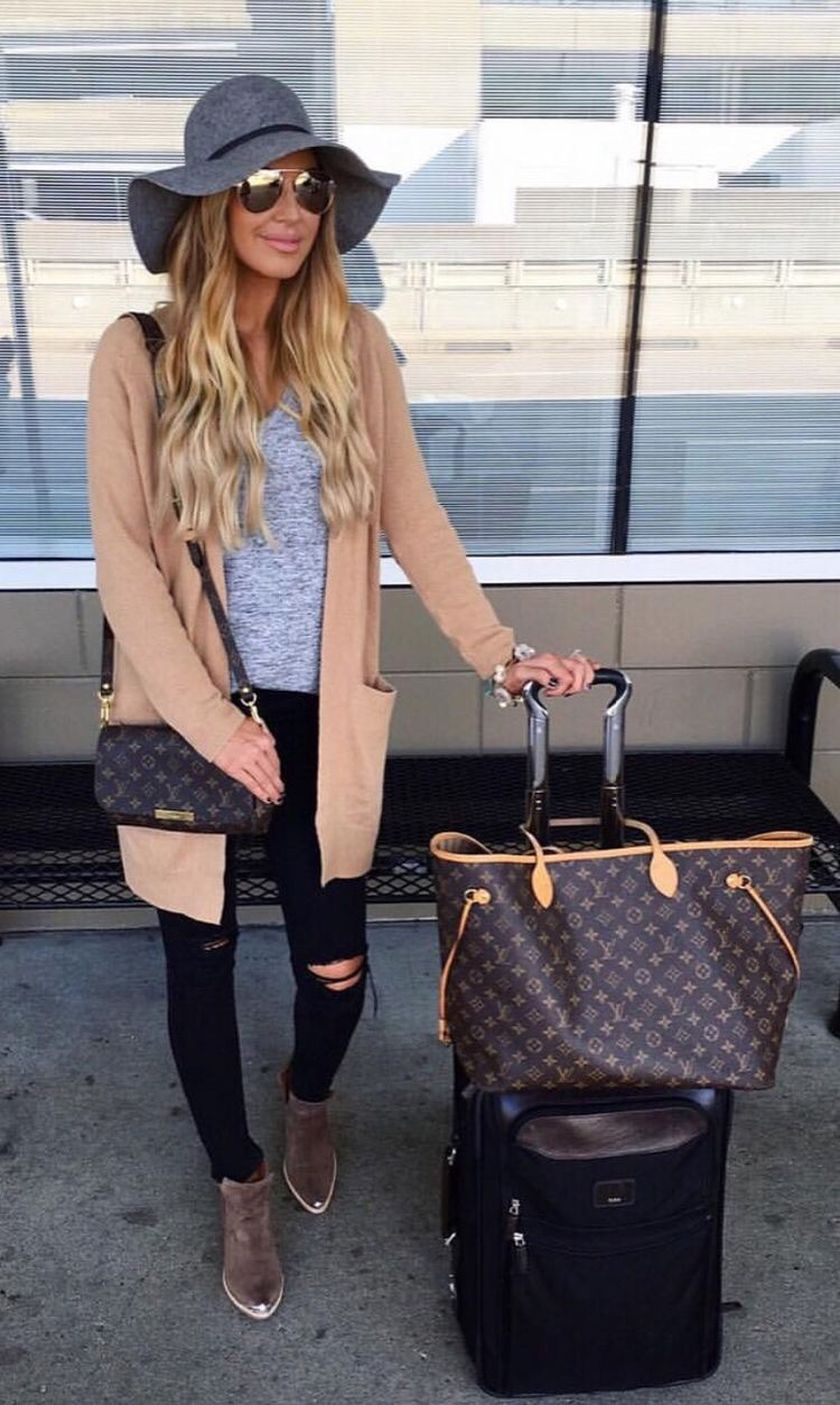 Summer airplane outfits travel style 36