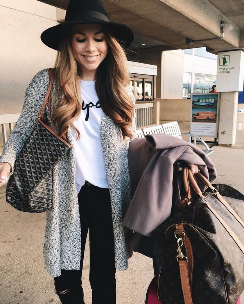 Summer airplane outfits travel style 46
